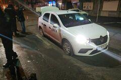 Витягли з машини і побили: в центрі Дніпра зробили зухвалий напад на таксиста