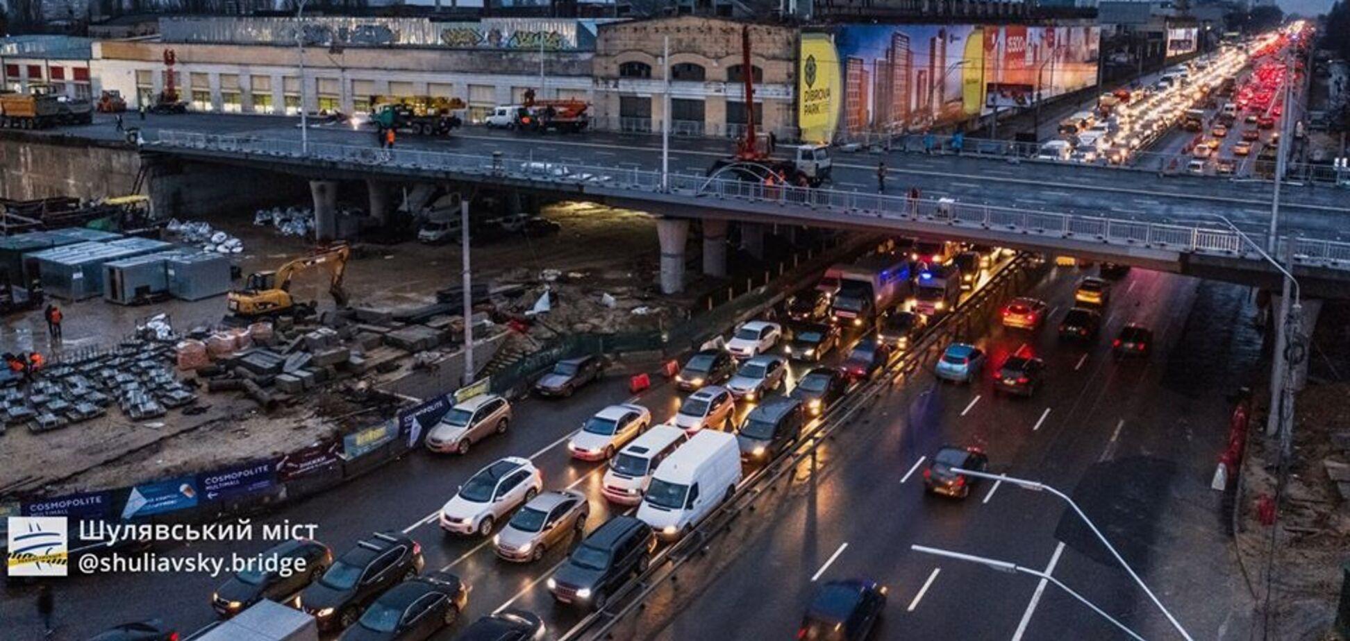 На будівництві Шулявського моста помітили 'Леннокса Льюїса' – фотофакт