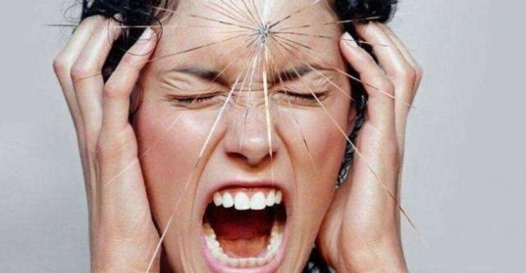 """Головная боль """"на погоду"""": врач рассказала, как от нее избавиться"""