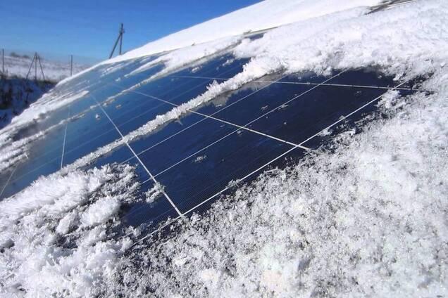 Солнечные панели под снегом