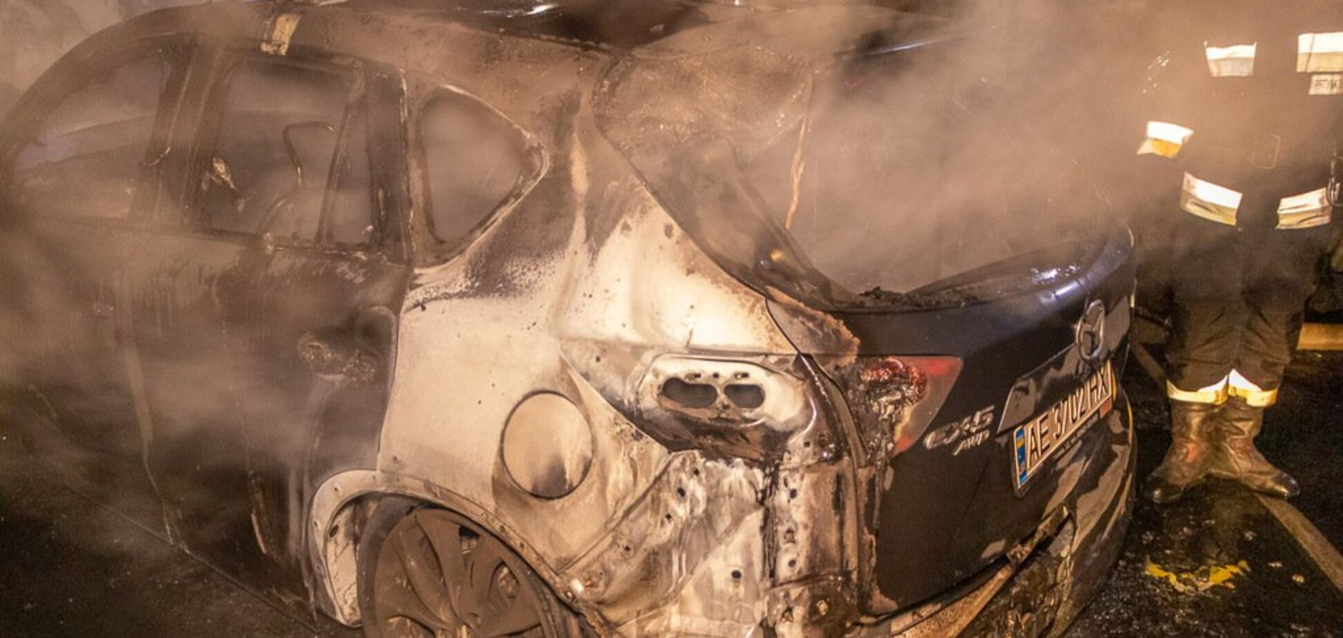 У Дніпрі дотла згоріла іномарка. Фото