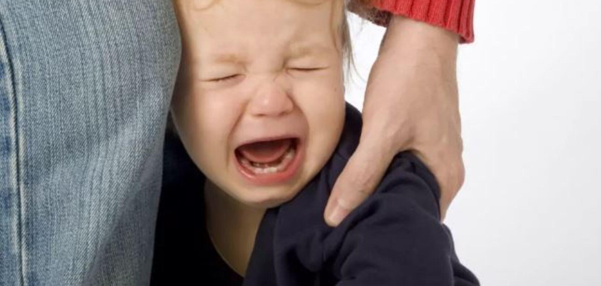 Переламав усі кістки: під Києвом батько по-звірячому забив до смерті 4-річного сина