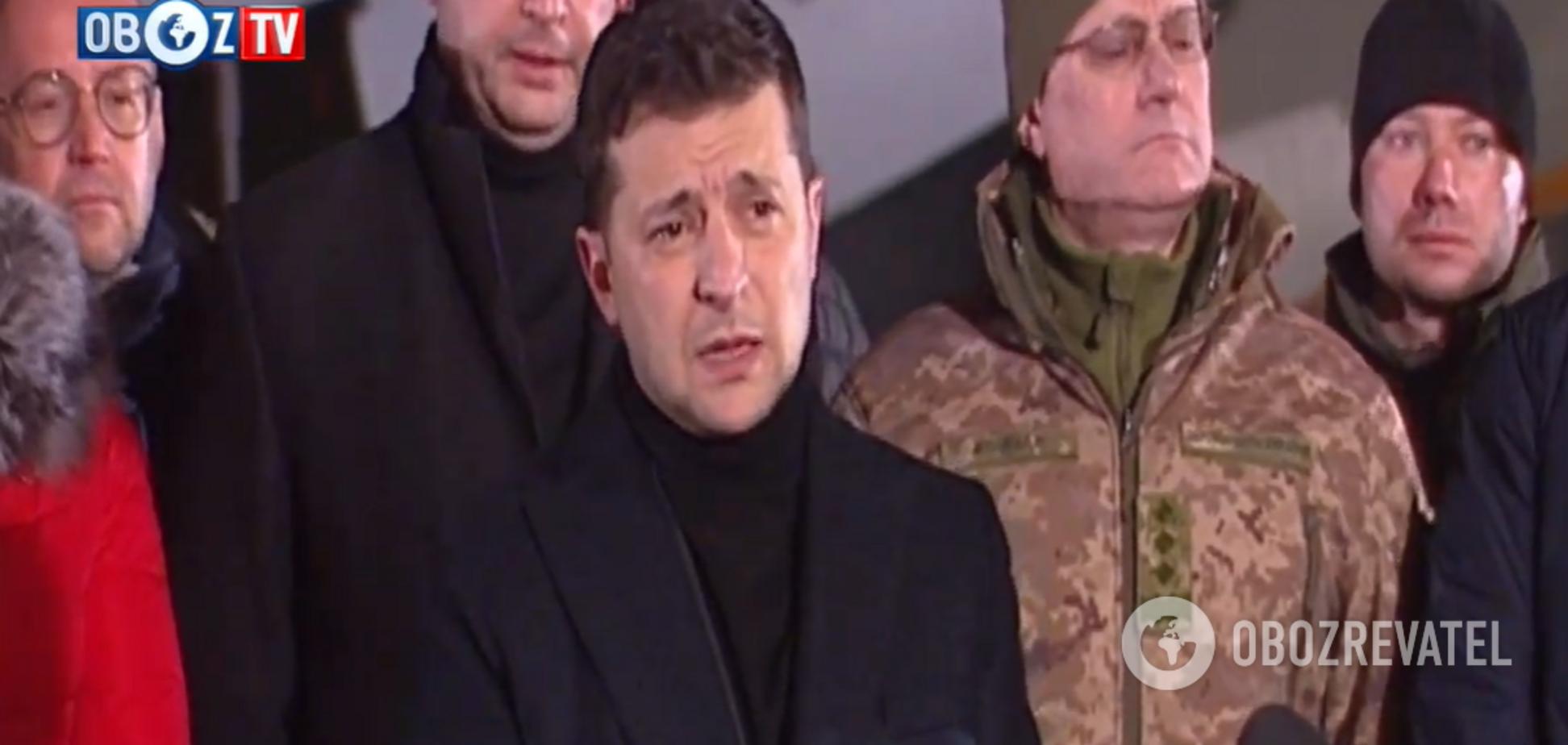 'Мы забрали наших героев!' Зеленский встретил украинских пленных: о чем говорил