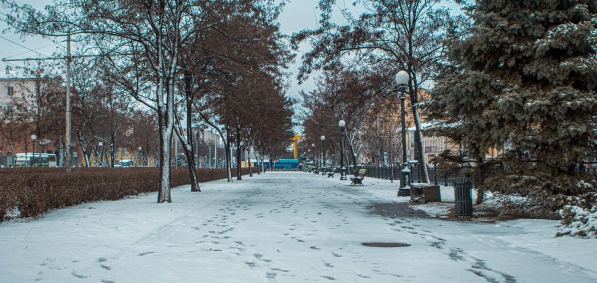 Днепр накрыло первым снегом: яркие фото и данные о пробках