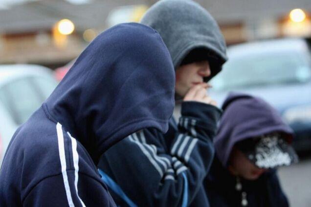 Троє підлітків грабували ровесників