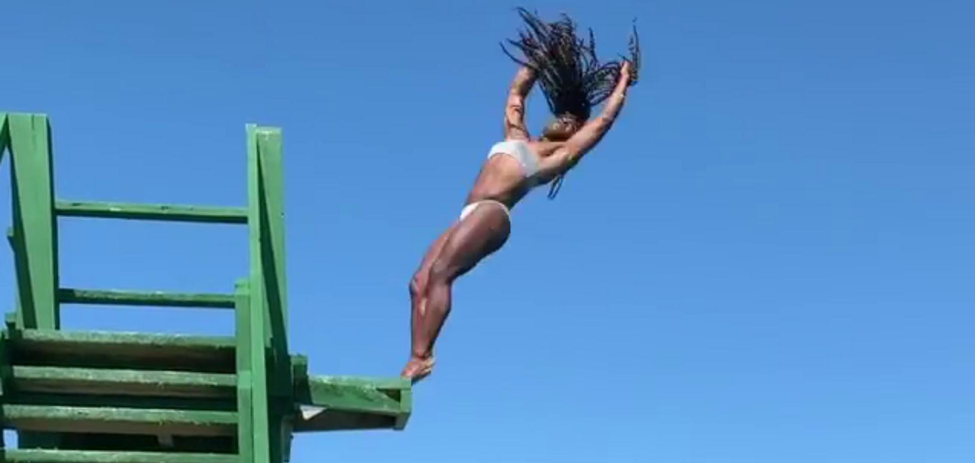 Поразительный прыжок знаменитой гимнастки собрал миллионы просмотров