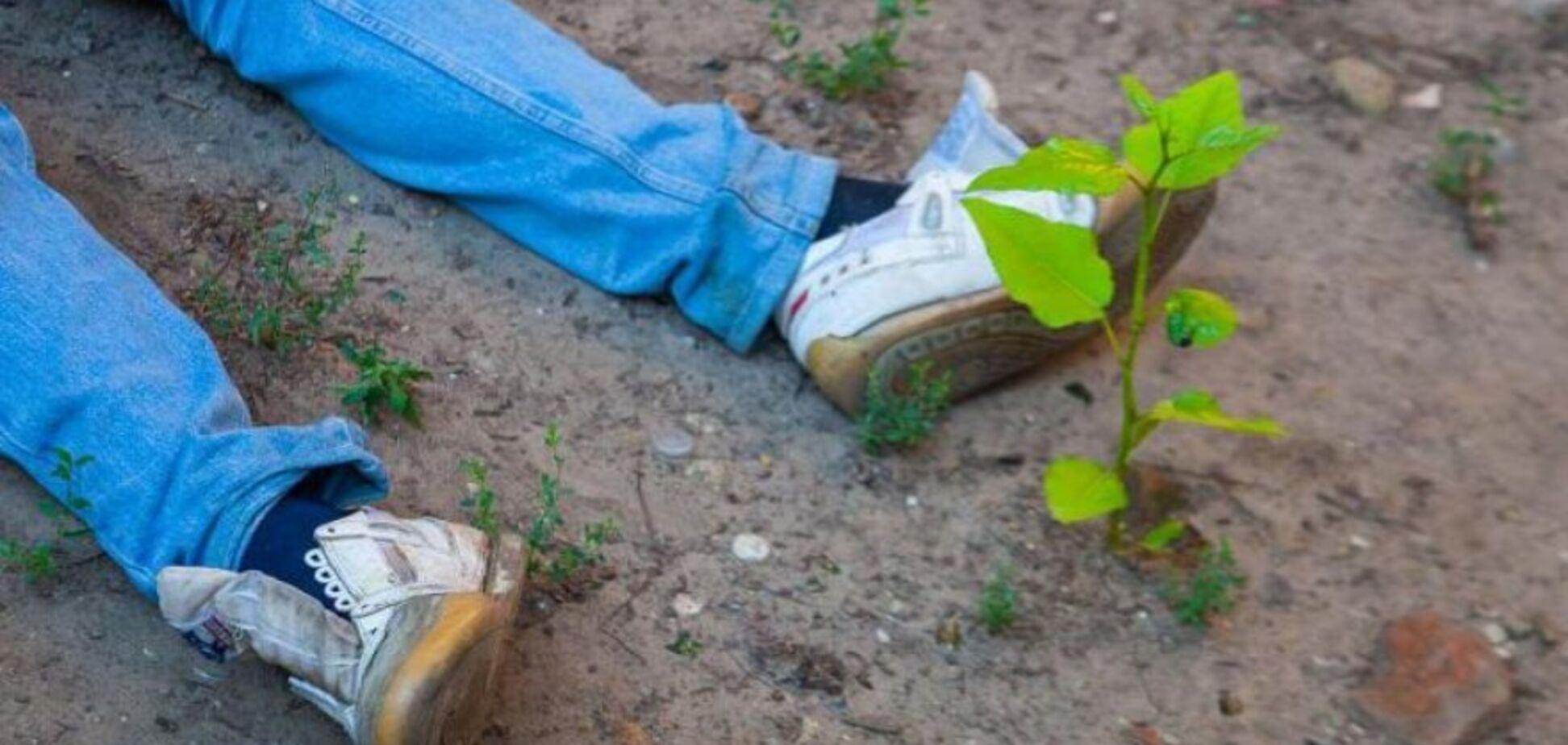 Лежав увесь в крові: в Кривому Розі по-звірячому вбили охоронця. Фото 18+