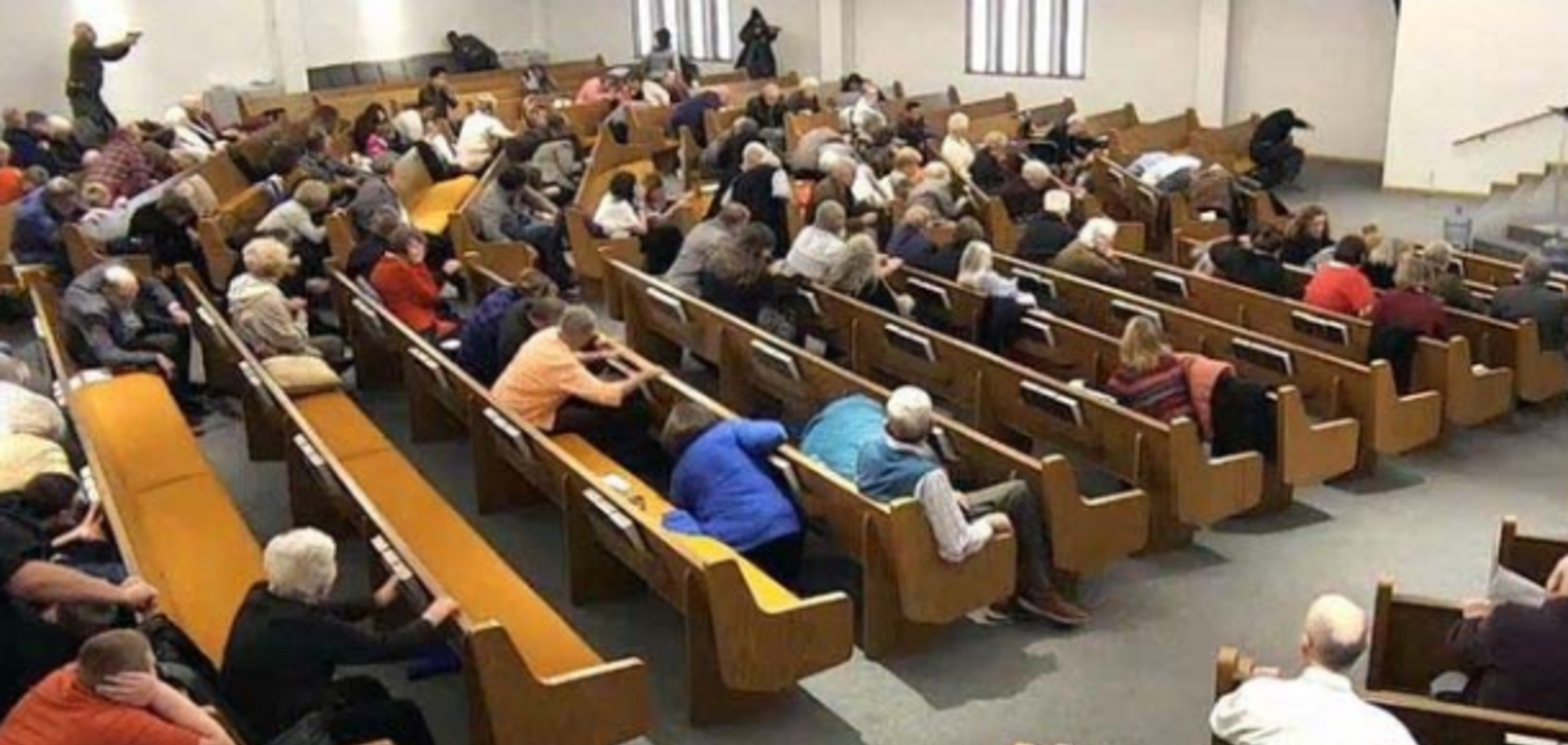 В США устроили кровавую стрельбу в церкви