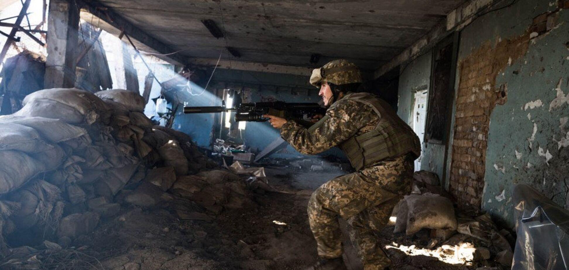 Позиції ЗСУ на Донбасі атакували снайпери бойовиків: є поранені