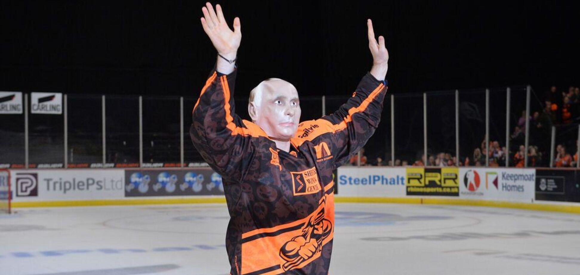 Микола Лемтюгов у масці Путіна