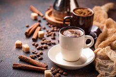 Секс и кофе: ученые назвали плюсы и минусы популярного напитка