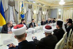 Просил советов на переговорах с Путиным: Зеленский встретился с Онуфрием и Епифанием