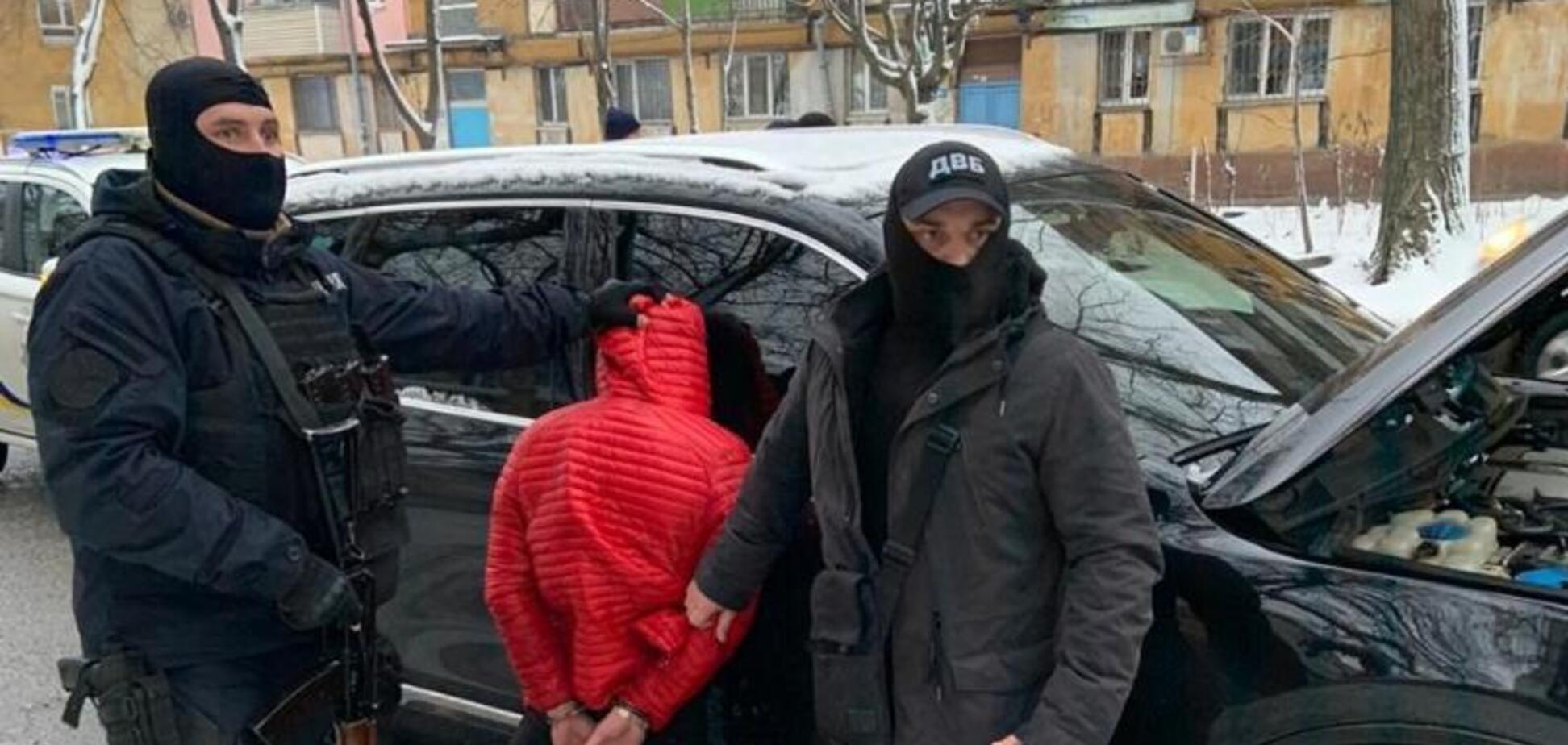 Ночное задержание в Днепре: полиция арестовала крупного наркоторговца. Фото