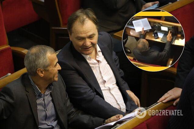 Володимира Кальцева засікли за кнопкодавством