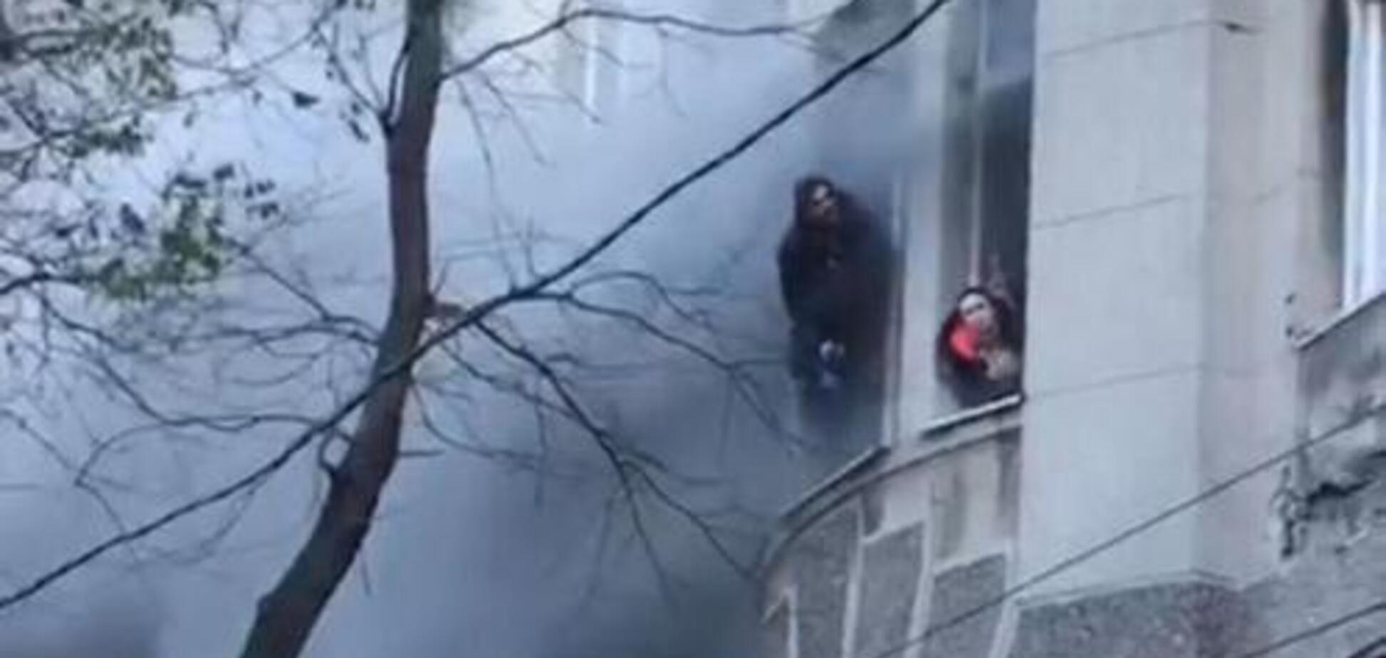 Пожар в Одессе: появились жуткие кадры 18+из колледжа