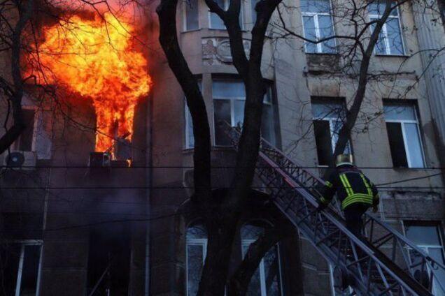 Стало відомо про подвиг рятувальників у коледжі Одеси