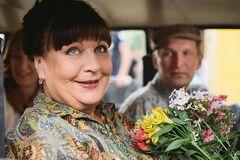Валюсі зі 'Сватів' – 66: як вона виглядала в своїй першій ролі і зараз