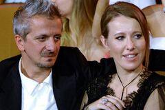Богомолов засвітив інтимні місця Собчак без білизни: відео