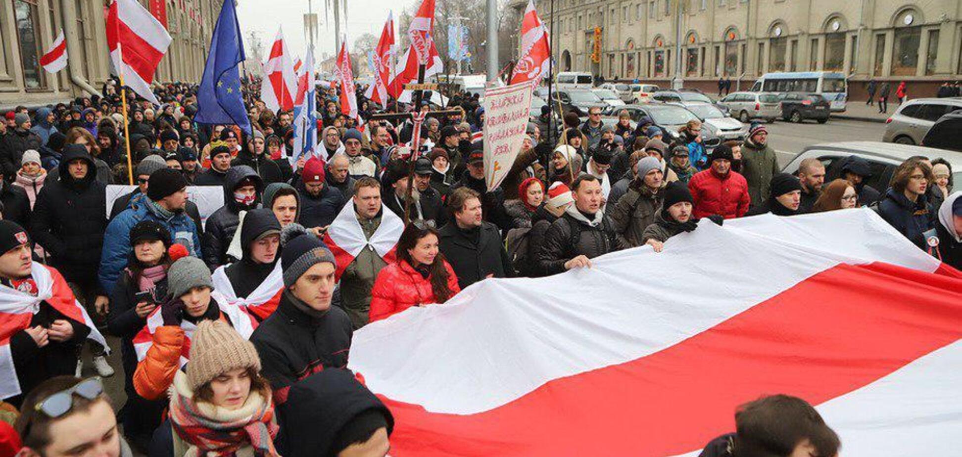 'Стояти на смерть!' В Білорусь пройшли масштабчні протести проти Путіна. Фото і відео