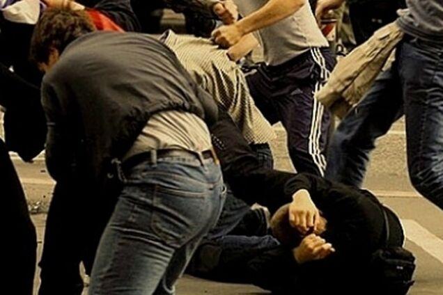 В центре Киеве развязалась массовая драка: в сеть попало видео