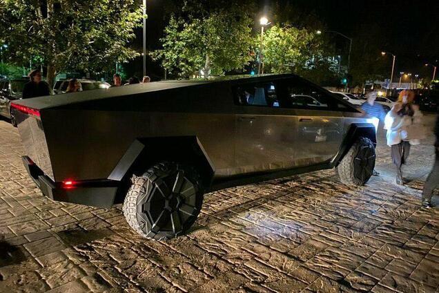 Електромобіль Tesla Cybertruck