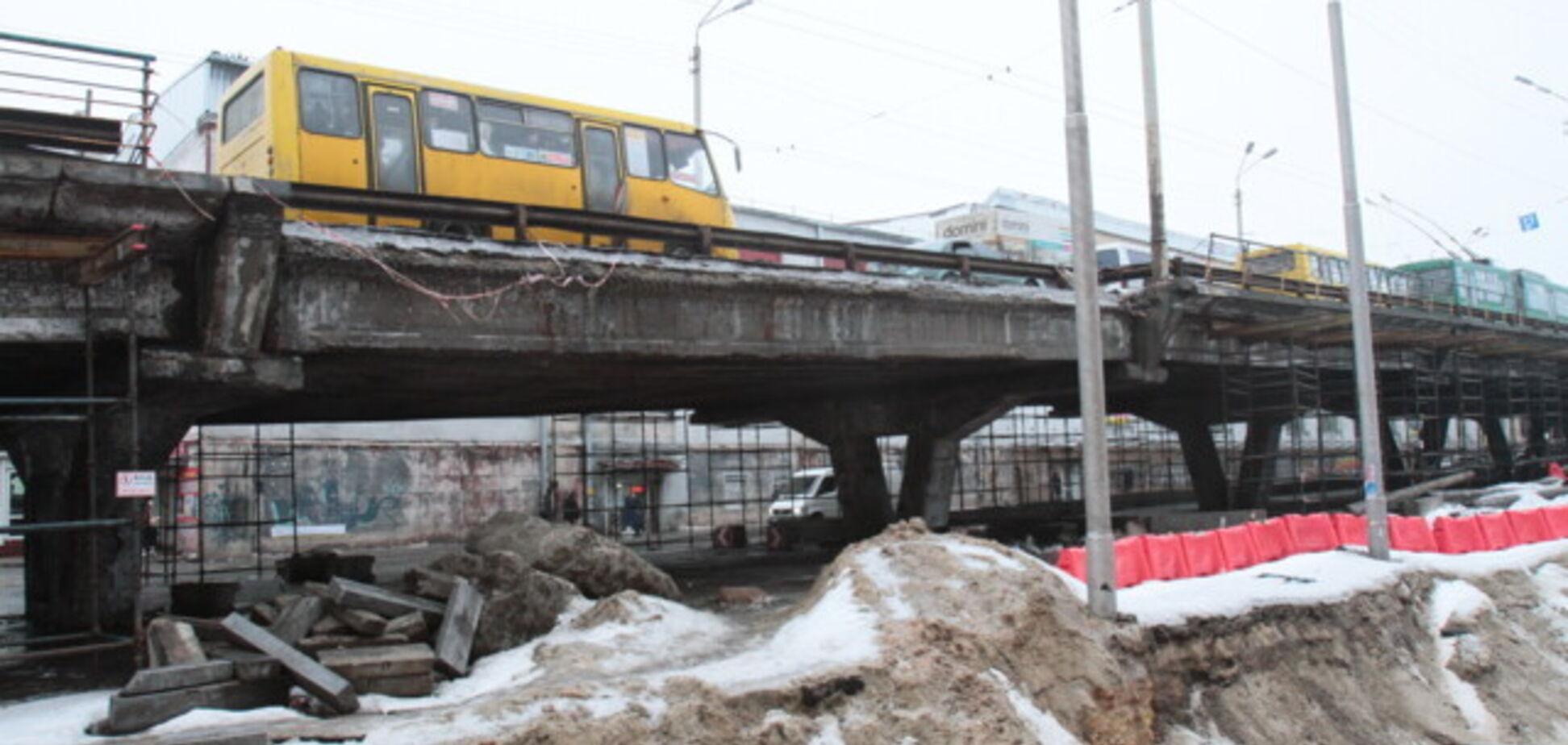 Руйнування Шулявського мосту показали з висоти