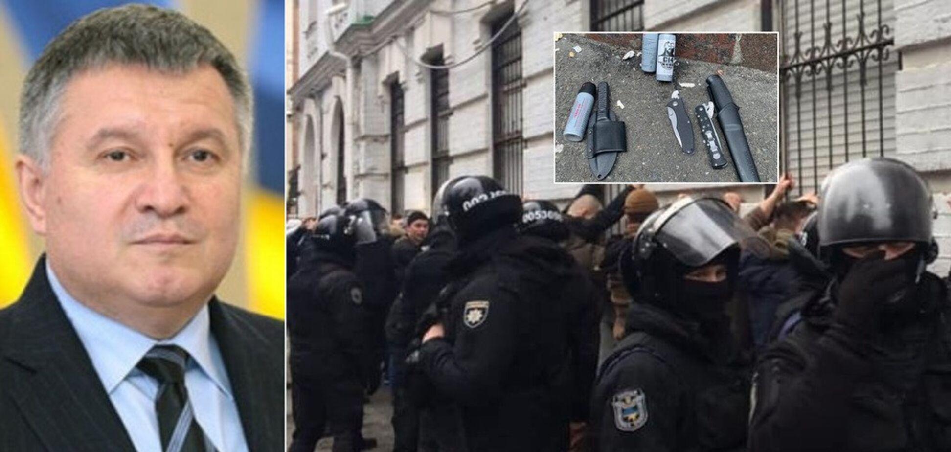 ''Это бл*дство, господа!'' Аваков обратился к кандидатам в президенты из-за побоища в Киеве