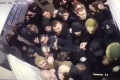 З'явилося нове відео штурму поліції в Києві: як все почалося