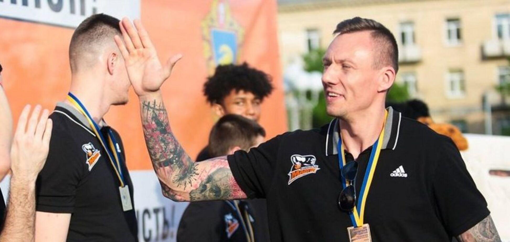 ''Путина целовать'': игрок сборной Украины рассказал о пользе работы в России