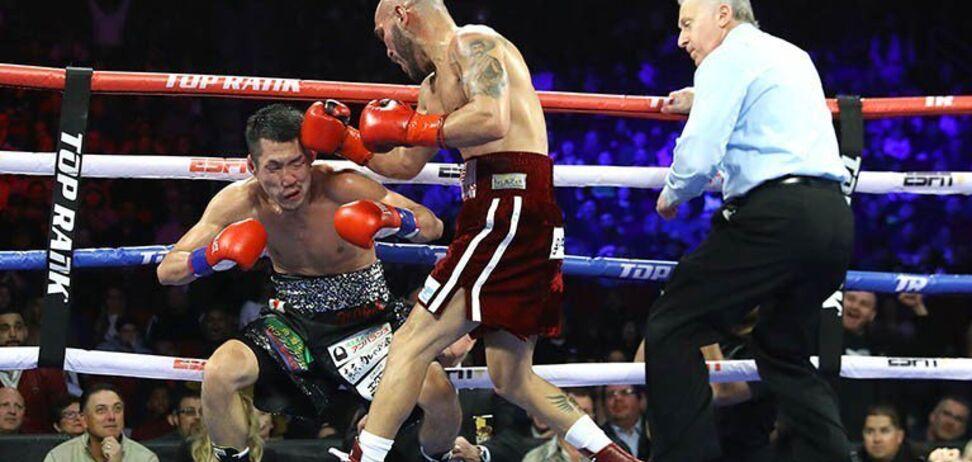 Екс-чемпіон світу ефектно повернувся в ринг, перемігши яскравим нокаутом