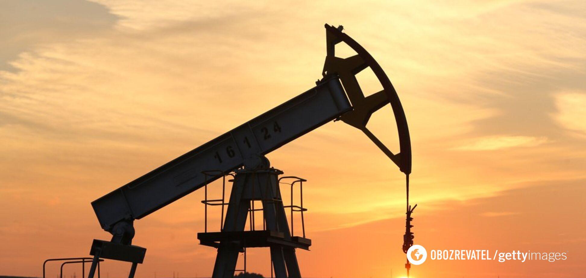 Мировые цены на нефть неожиданно начали снижаться: что произошло