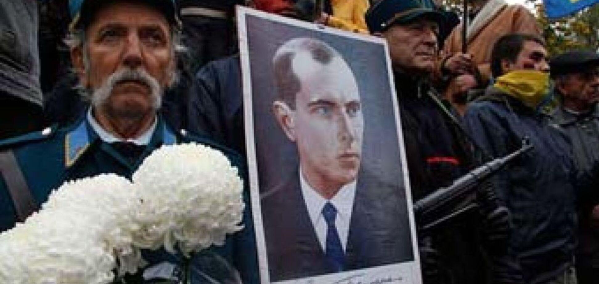 Россия и дальше пугает Украину Бандерой