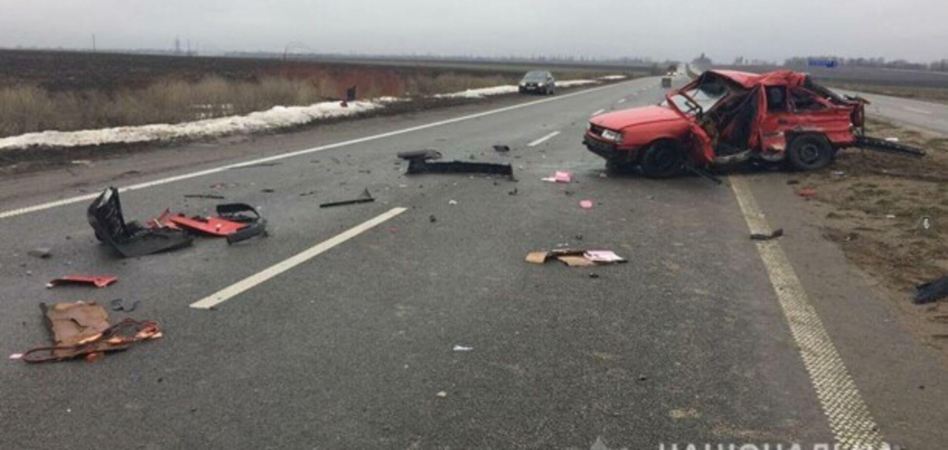 Смертельное ДТП: в Запорожской области произошло лобовое столкновение легкового авто и фуры