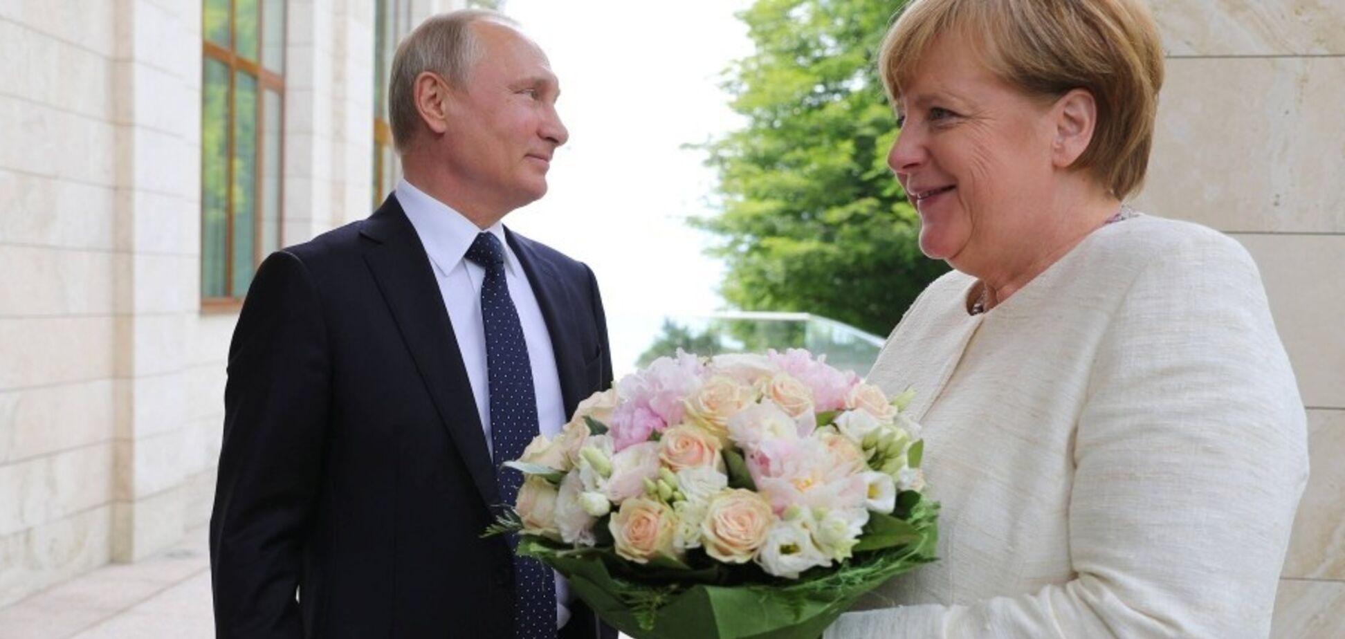 Меркель и Путин 'кидают' Украину и зажимают ее в клещи