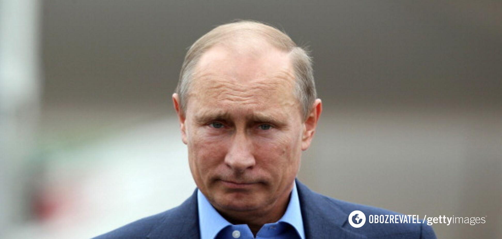 ''Путін перетворився на небожителя'': в Росії знайшли пояснення статті Суркова