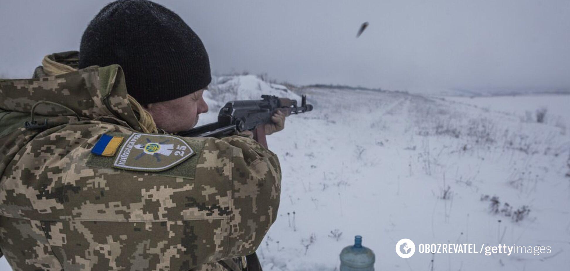 Атака з неба: українські бійці ефектно знищили техніку терористів. Відео