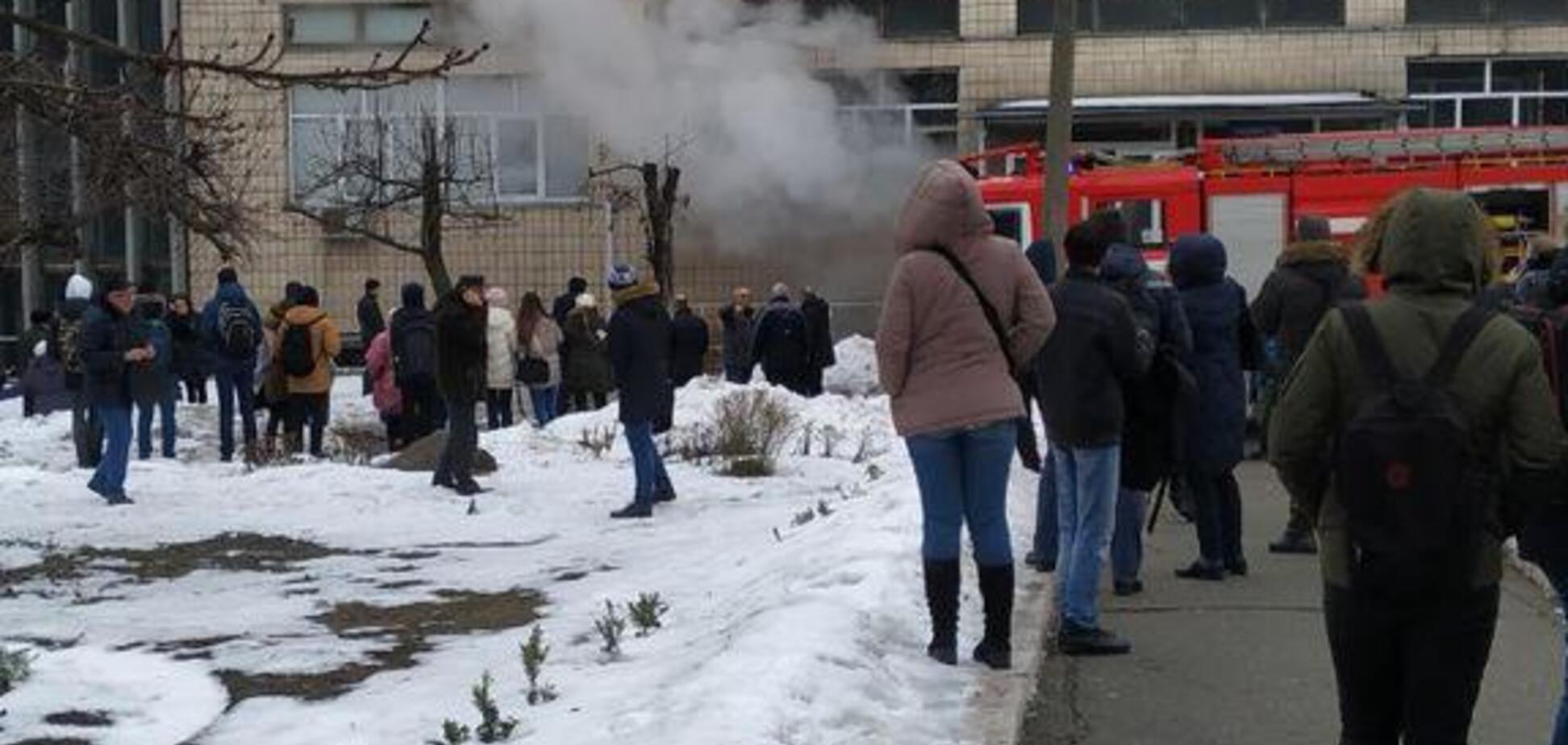 'Виходи були закриті!' У Києві загорівся відомий університет