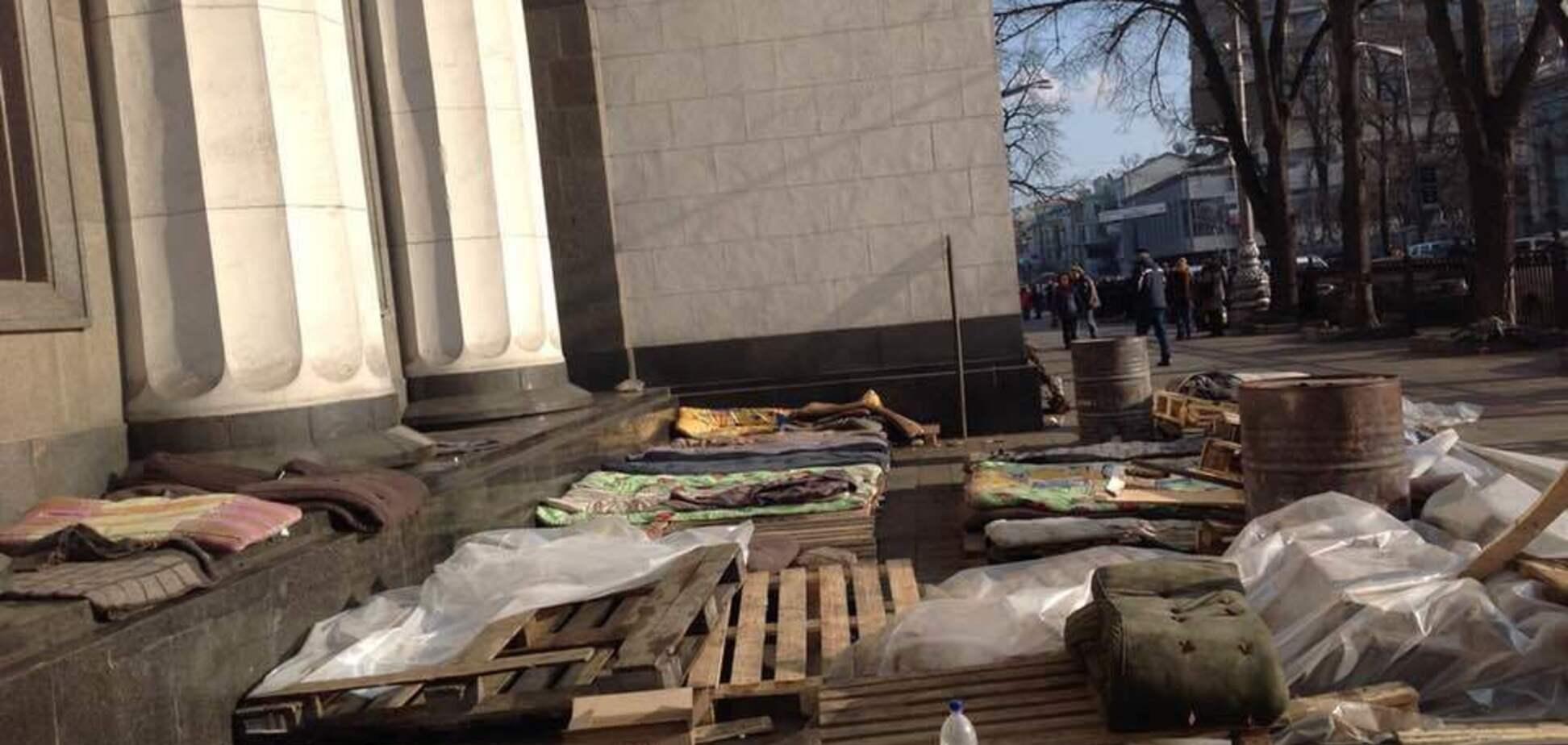 ''Вибиті очі, пробиті голови'': опубліковані унікальні фото з Майдану під час розстрілів
