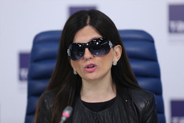 """""""Был для меня отцом"""": знаменитая российская певица сообщила о горе в семье"""