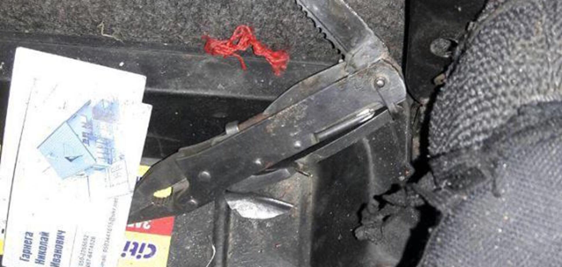 В Запорожье в такси двое пассажиров с ножом напали на водителя