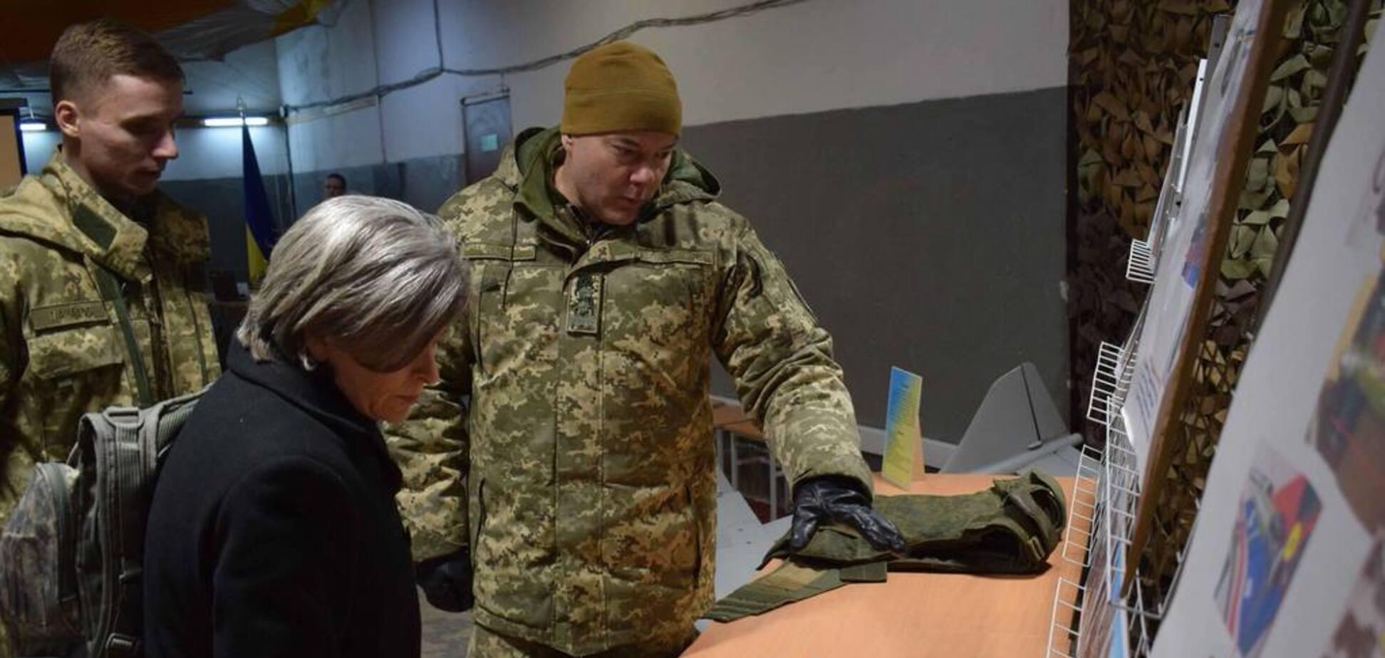 'Бояришник-ньюс розірве': сенатору США показали сліди 'русского міра' на Донбасі