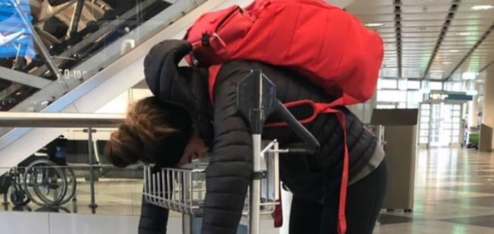 Найкращу біатлоністку світу 'замучили' в аеропорту — фотофакт