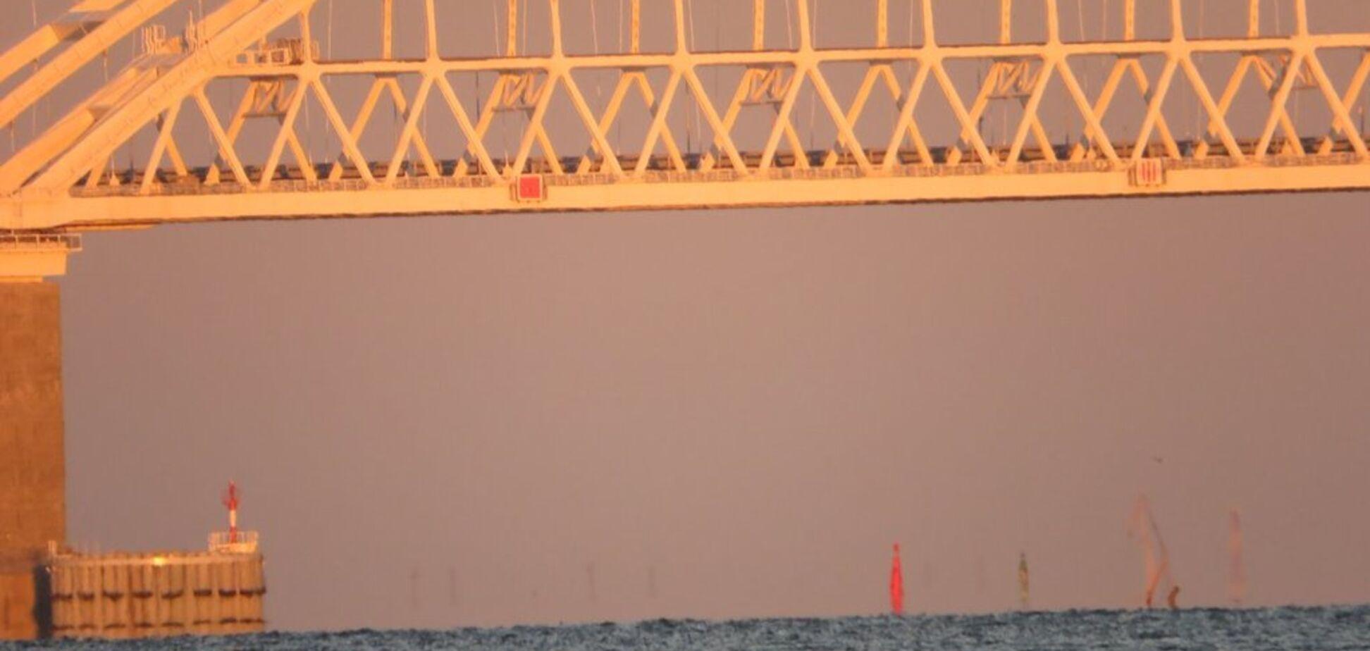 'По нему что-то ездит?' На Крымском мосту заметили новую проблему
