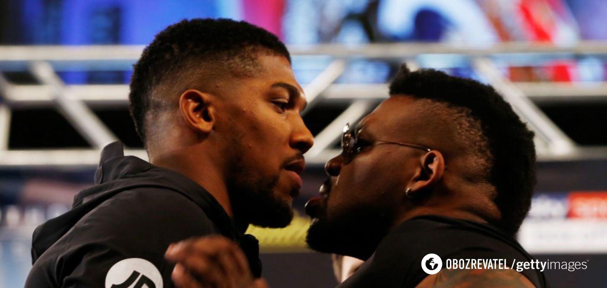 Відлетів на метр: американський боксер напав на Джошуа — відеофакт