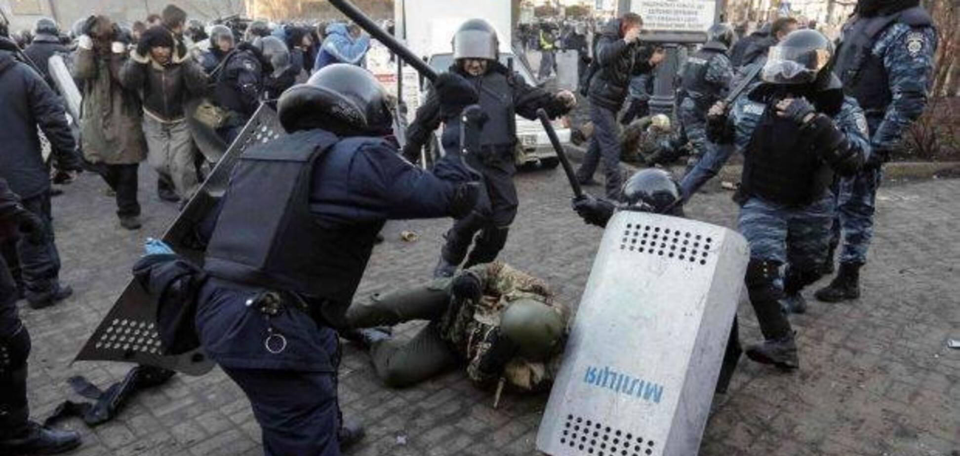 'Як тобі спиться, потворо?' В Україні розгорівся скандал із полковником через Євромайдан