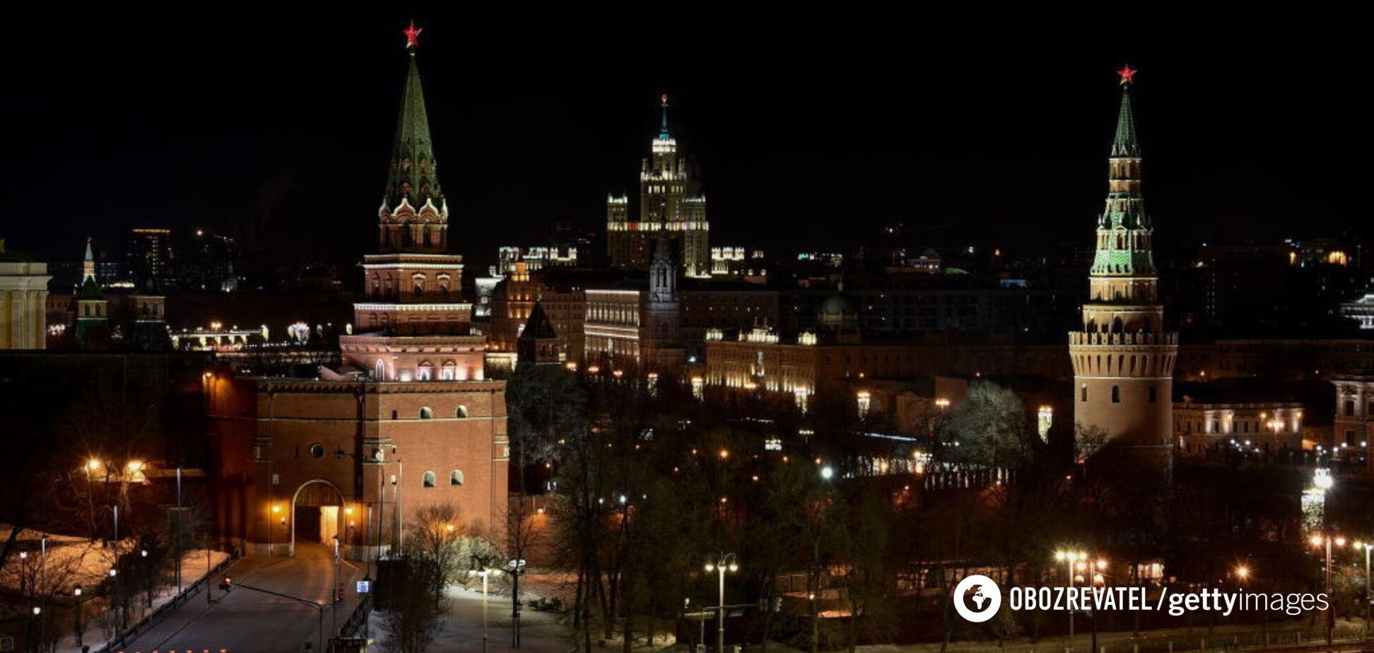 В Кремле сейчас 'жрут, кого могут'