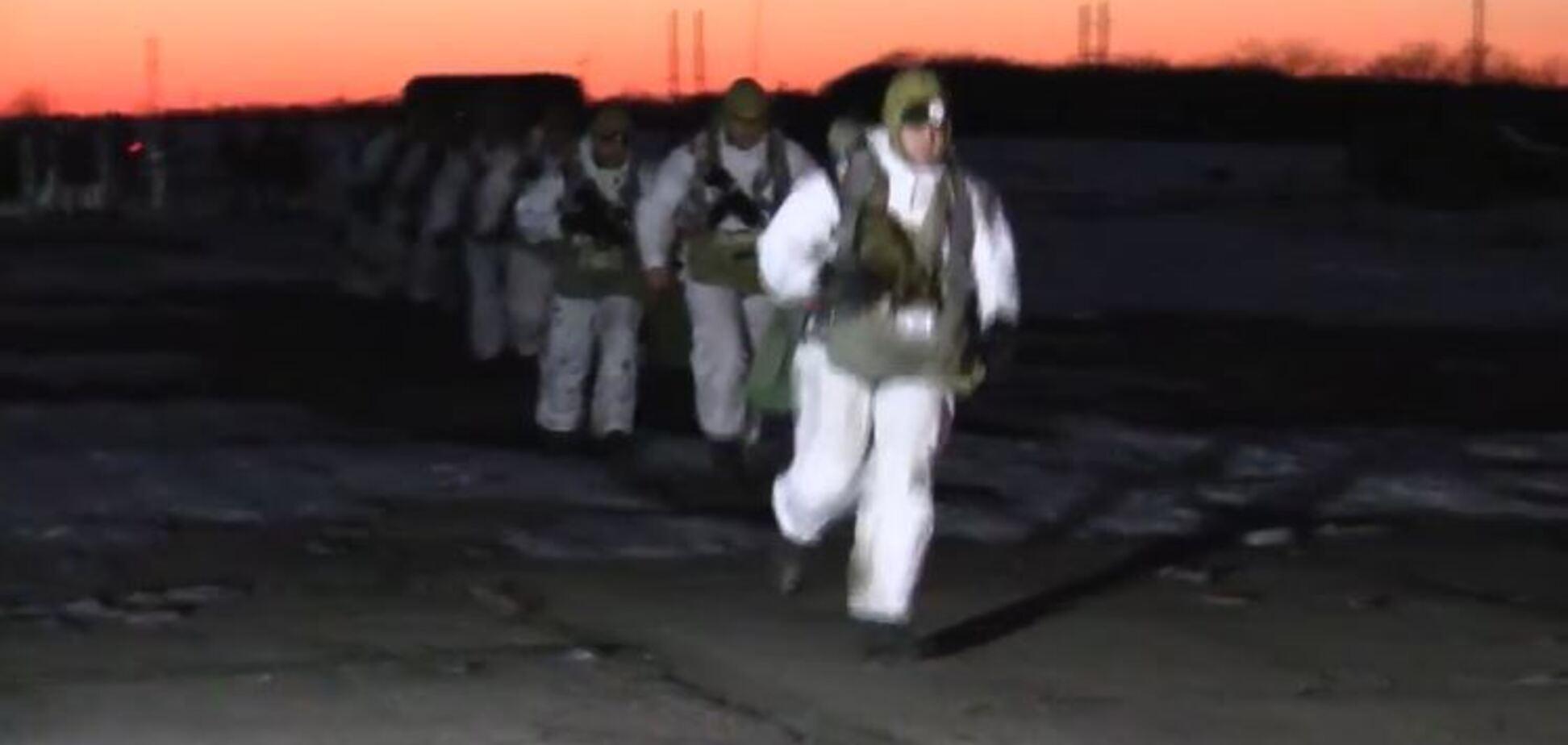 ЗСУ викинули десант за спиною у терористів на Донбасі: потужне відео