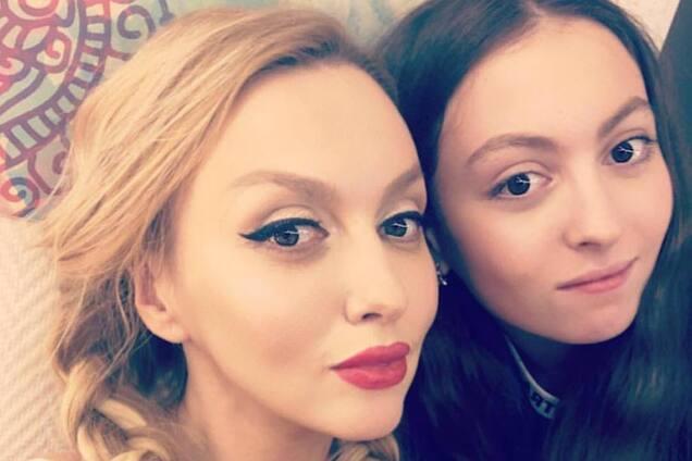 До мамы далеко: дочь Поляковой нарвалась на критику