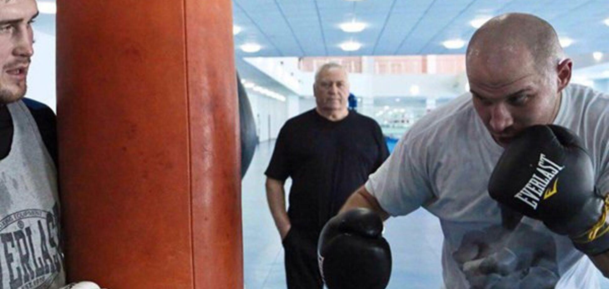 ''Он мне платит'': непобежденный супертяж высказался о Кличко