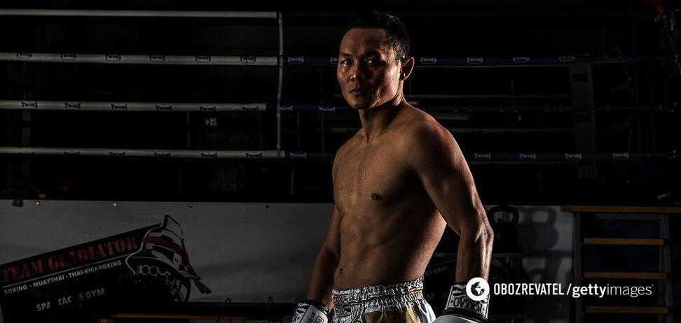 Курйоз дня: тайський боксер поцілував суперника під час бою